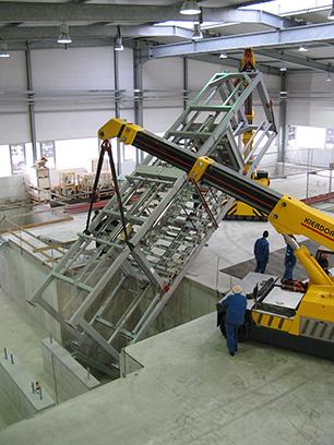 """Aufbau der KRAIBURG Stallmatten-Produktionsanlage """"Presse 16"""""""