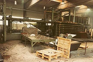 KRAIBURG production unit for cow house mats Press 9 in 1980